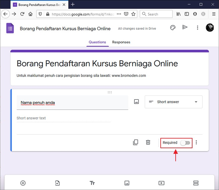 setting google form untuk wajib dilengkapkan.