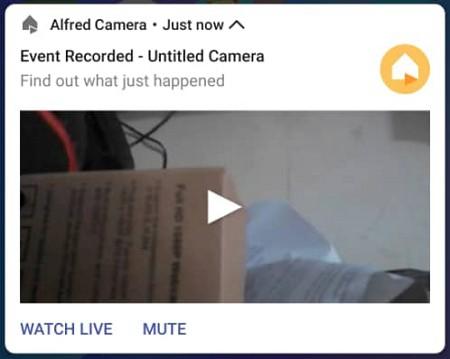 notifikasi amaran daripada aplikasi Alfred Home Security Camera